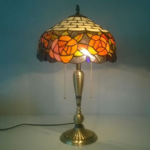 European Idyllic Retro Rose Tiffany Table Lamp with 2-lights