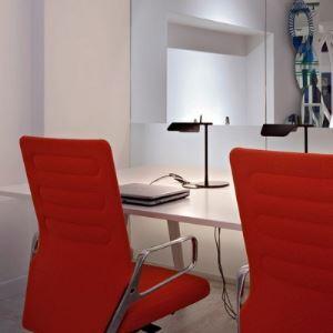 Simple Design Aluminum Designer Black/White Table Lamp