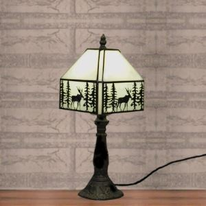 Bedside Tiffany Stained Glass Style Desk Lamp Pattern 8 Inch Wide