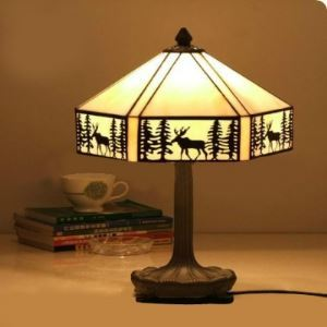 Lodge Pattern Resin Base 11 Inch Bedside Table Lamp in Tiffany Stained Glass Style