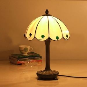 Retro All Beige Stained Glass Tiffany One-light Bedroom Table Lamp
