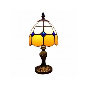 Fashionable Tiffany Table Lamp with Warming yellow Color Glass Shape