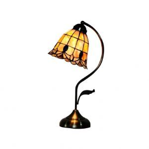 Beautiful Flower-shaped Shell Shade Metal Base Tiffany Table Lamp