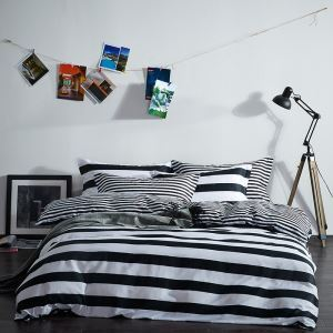 Simple Cotton Four-piece Black And White Series Bedding Warm Cotton Four-piece Black And White Panda Four-piece Black And White Stripes Four-piece Black And White Wave Points Four-piece 160*210cm