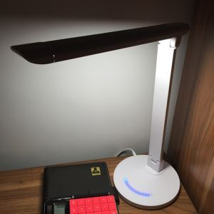 Modern Simple High-strength ABS + Aluminum Alloy Material Black / White Folding LED Table Lamp Energy Saving