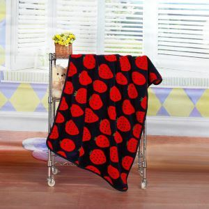 Modern Flannel Cartoon Strawberry Pattern Baby Blanket Children Bath Towel Summer Blanket 2 Colors