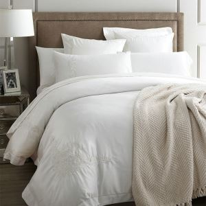 Traditional Simple Advanced Customization Cotton Embroidery Four-piece Set White Bedding