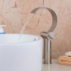 Modern Simple Brushed Finish Waterfall Basin Faucet