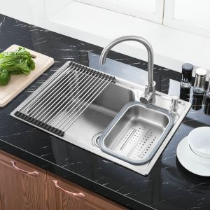 Modern Simple 304 Stainless Steel Sink Thicken Single Bowl Kitchen Washing Sink with Drain Basket and Liquid Soap Dispenser S7245