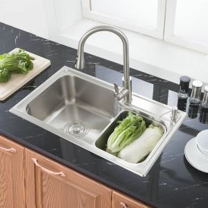 Modern Simple 304 Stainless Steel Sink Thicken Single Bowl Kitchen Washing Sink with Drain Basket and Liquid Soap Dispenser S7845