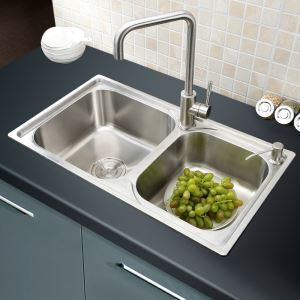 Contemporary Stainless Steel Kitchen Sink Double Bowl Kitchen Washing Sink with Drain Basket and Liquid Soap Dispenser AOM7241