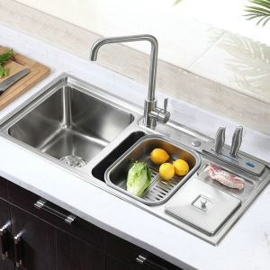 Modern Simple 304 Stainless Steel Sink Multifunctional Luxury 3 Bowls Kitchen Washing Sink with Drain Basket and Liquid Soap Dispenser MF9143