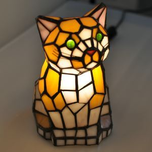 Tiffany Light Kids Room Table Lamp Small Cat Model Shade Bedroom Bedside Lamp European Pastoral Retro Style Light