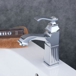 Contemporary Sink Faucet Chrome Polished Sink Faucet Single Handle Tap BL6311