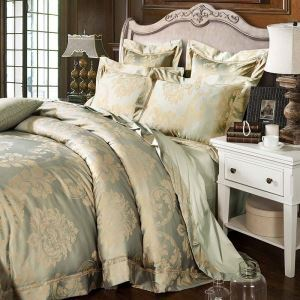 Classical Royal Bedding Set Light Green Luxurious Jacquard Bedclothes Soft 4pcs Duvet Cover Sets