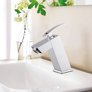 Single Handle Chrome Finish Contemporary Solid Brass Bathroom Sink Faucet