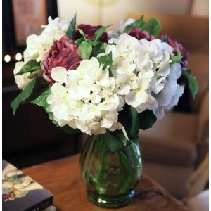Scotland Hydrangea Silk Flowers, Ranunculus, Bolok Glass Flower Vase (Medium Size) Arrangement