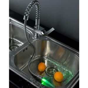 Deck Mount LED Pull-out Kitchen Faucets With Rinsing Spray