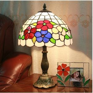 12 Inch Tiffany Table Lamps with One Light in Flowers Pattern