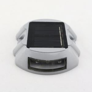 Solar Power 6 LED Outdoor Road Stud Driveway Pathway Dock Spike Light Lamp White