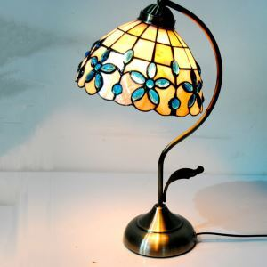 European Idyllic Retro Shell Tiffany Light