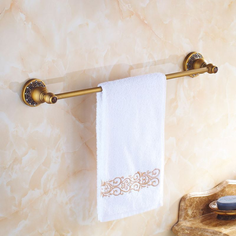 Reproduction Vintage Bath Towels: European Vintage Bathroom