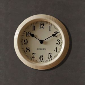 Simple Unique Wrought Iron Round Kitchen Mute Wall Clock