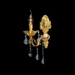 Luxurious European Style Single Light Wall Sconce with Golden Detailing Base and Elegant Crystal Drops