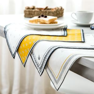 Table Pad Insulation Pad Dinning Table Cloth Mat Creative Cloth Pad Bowl Mat Coasters(4 pcs)