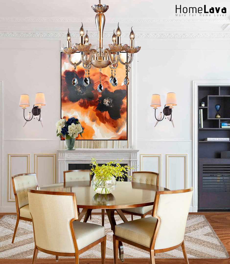 Warm traditional dining room