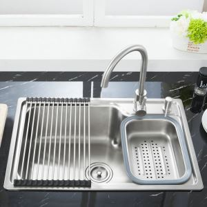 Modern Simple 304 Stainless Steel Sink Thicken Single Bowl Kitchen Washing Sink with Drain Basket and Liquid Soap Dispenser S6845