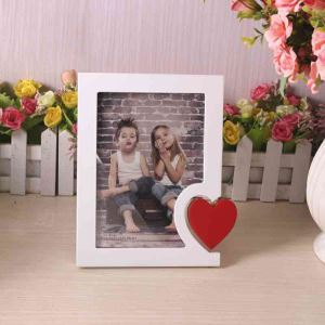 European Creative Heart-shaped Home Decoration Solid Wood Photo Frame