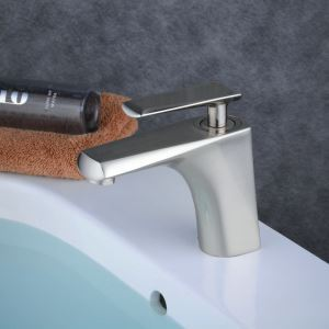 Contemporary Sink Faucet Nickel Brushed Sink Faucet Single Handle Faucet