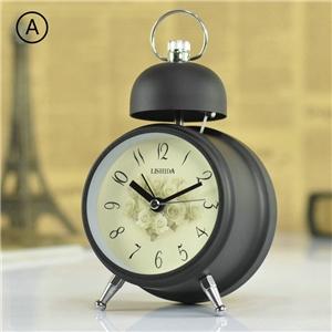 Vintage Metal Tabletop Clock European Mute Desk Clock Matte Black/Beige