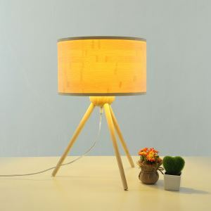 Hand Woven Tripod Table Lamp Simple Bamboo Desk Lamp Study Office Decorative Lighting