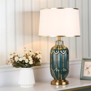 Modern Simple Table Lamp Ceramic Desk Light Eletroplating Lamp Living Room Bedroom Study Lamp HY115