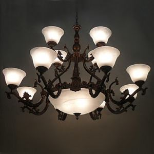 Stylish Chandelier with 15 Lights in Antique Style